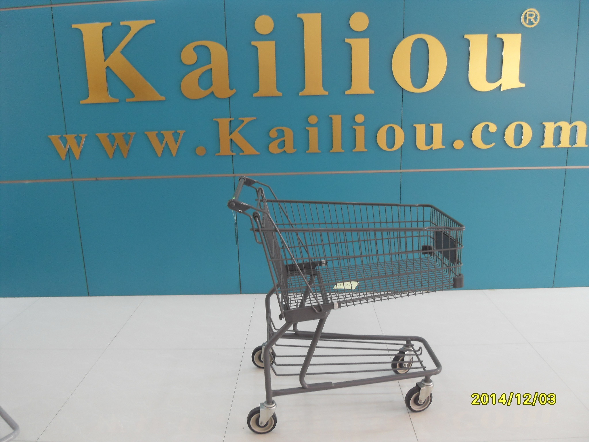 Custom Metal Shopping Carts for groceries with front advertisement