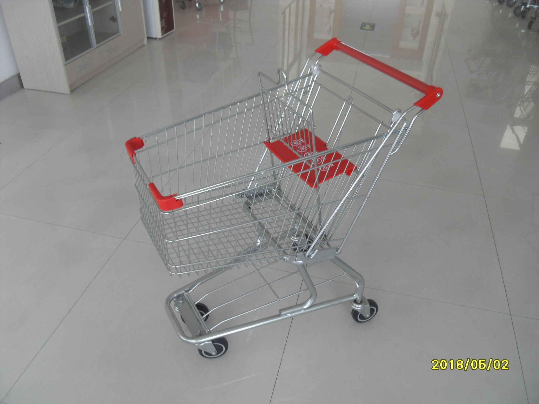 American Supermarket Grocery Shopping Trolley With Red Plastic Parts